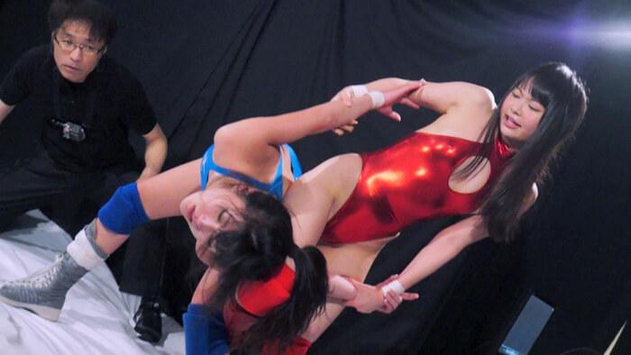 女子プロレスのバトル・フェチ動画!絞めて投げられM女があえぐ_画像1
